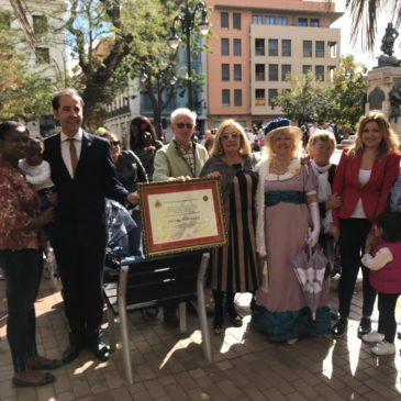 Ainkaren es reconocida durante el acto celebrado en homenaje a Las Heroínas de los Sitios de Zaragoza