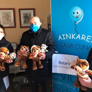 Rotary Club Zaragoza reparte peluches el día de Reyes