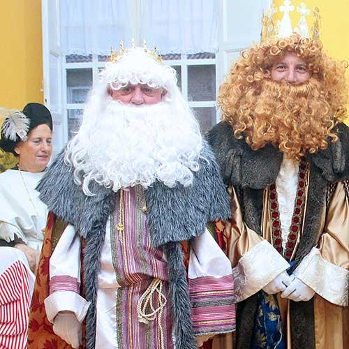 Visita de Sus Majestades los Reyes Magos de Oriente a las instalaciones de Ainkaren
